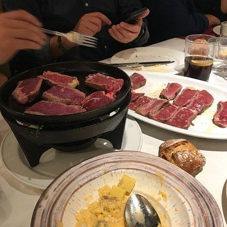 carne a la piedra en madrid casa julian 03 - Restaurante Casa Juan | carne a la piedra en Madrid