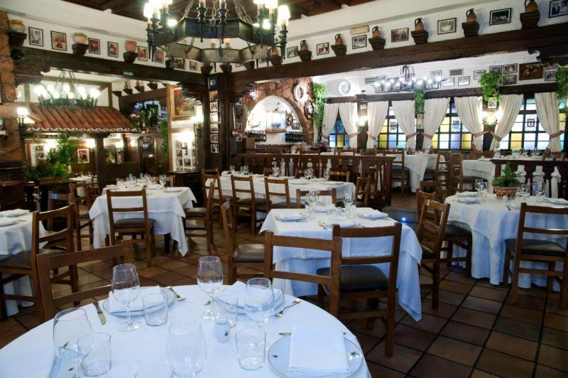 carne a la piedra en madrid meson txistu 03 800x532 - Restaurante Mesón Txistu | carne a la piedra en Madrid