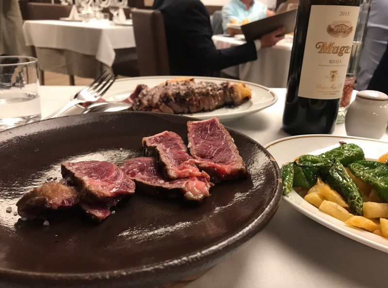 carne a la piedra en madrid restaurante asador donostiarra01 800x593 - Restaurante Asador Donostiarra | carne a la piedra en Madrid