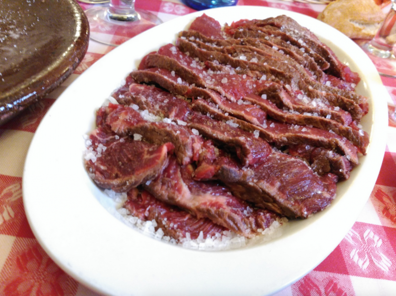 carne a la piedra en madrid restaurante el buey 01 800x598 - Restaurante El Buey | carne a la piedra en Madrid