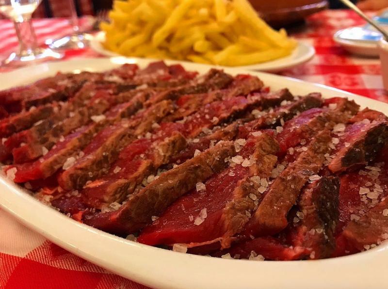 carne a la piedra en madrid restaurante el buey 04 800x596 - Restaurante El Buey | carne a la piedra en Madrid