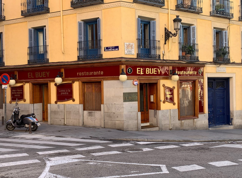 carne a la piedra en madrid restaurante el buey 10 800x589 - Restaurante El Buey | carne a la piedra en Madrid