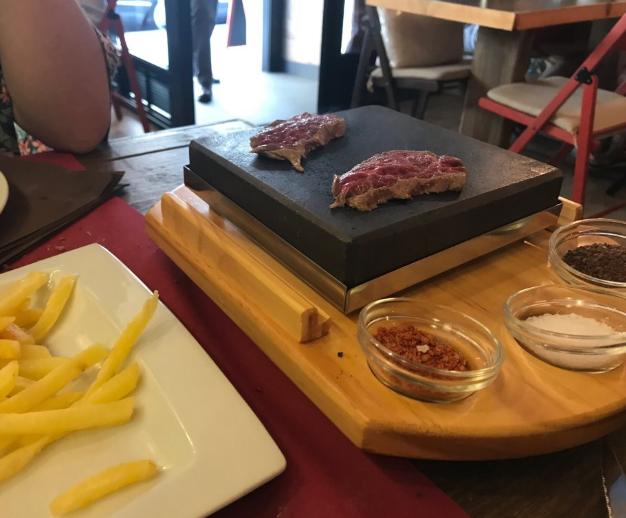 restaurante gloria bendita carne a la piedra a coruna 07 - Restaurante Gloria Bendita | carne a la piedra en A Coruña