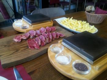 restaurante gloria bendita carne a la piedra a coruna 08 350x263 - Restaurante Gloria Bendita | carne a la piedra en A Coruña